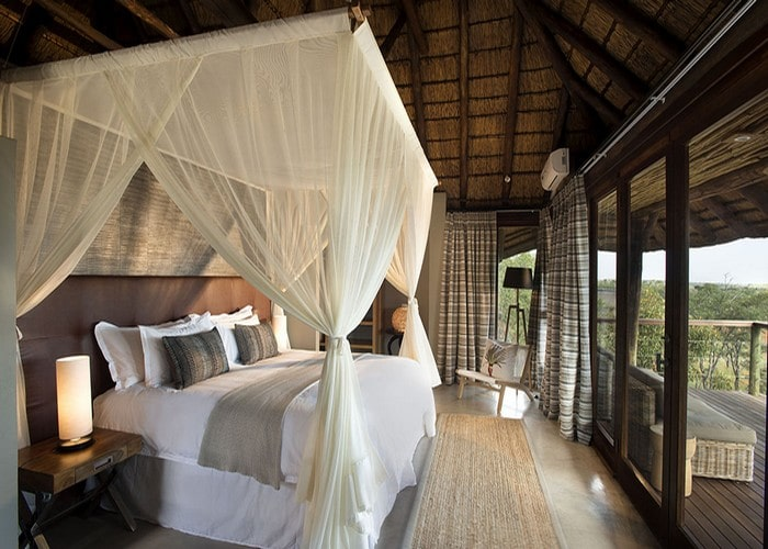 luxurious-five-star-and-private-mhondoro-safari-lodge-villa-honeymoon-suite