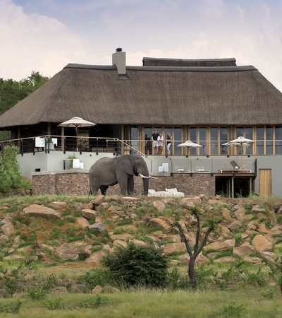 Mhondoro-Safari-Lodge-Villa